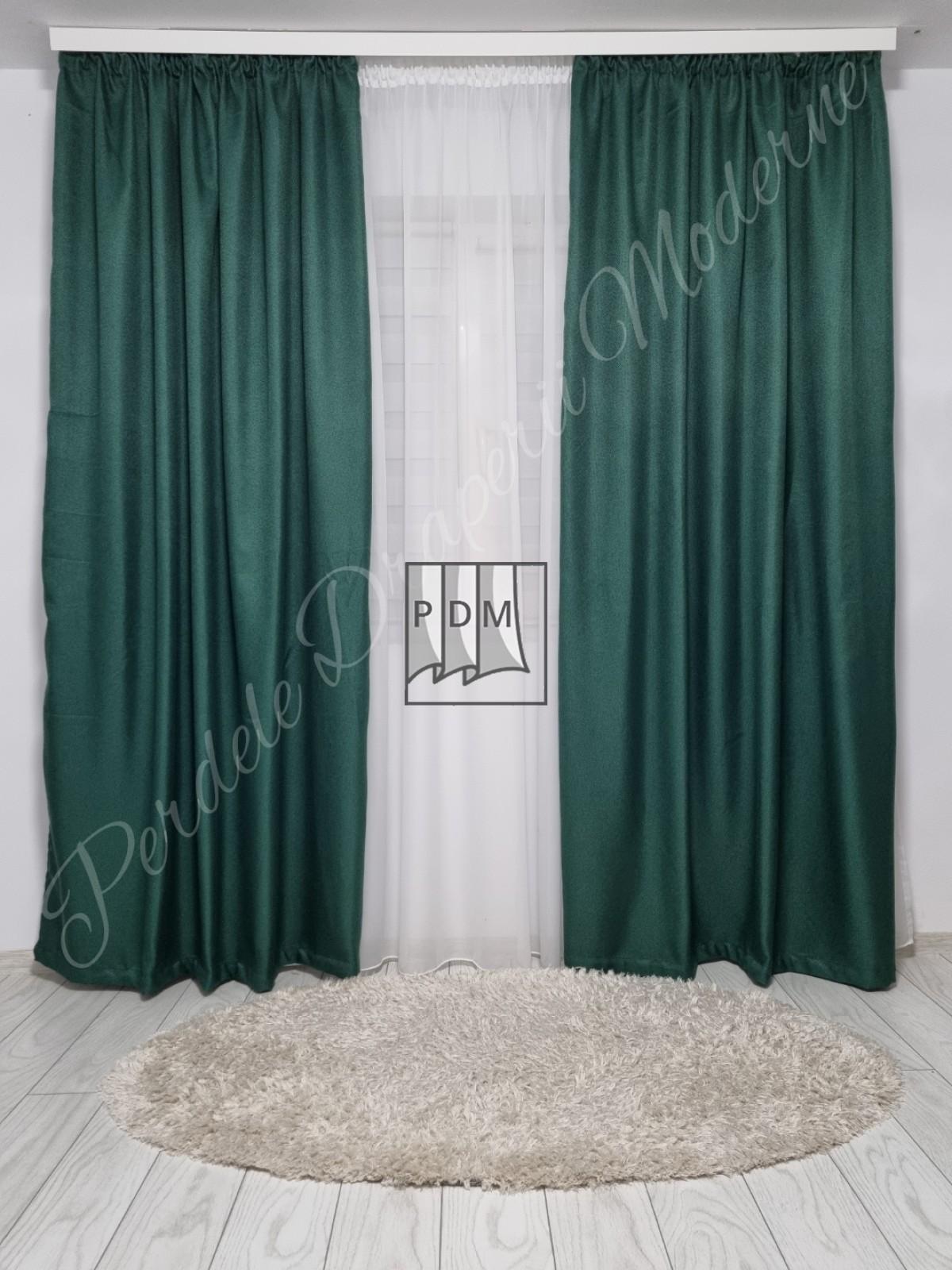 poze Draperie in blackout,verde smarald
